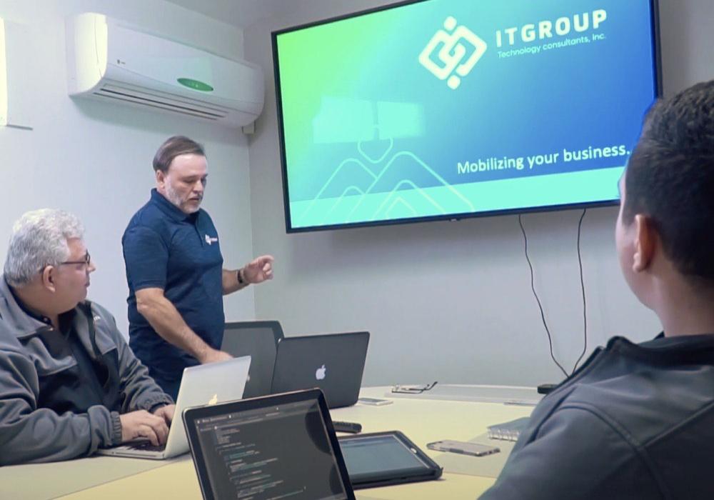 ITGROUP meeting 3 employees
